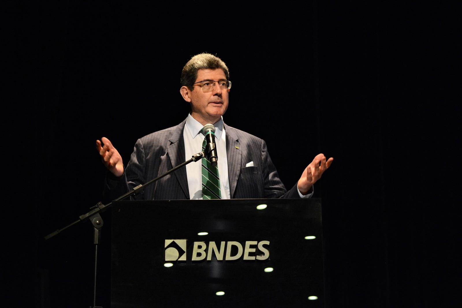 BNDES terá foco em médias empresas, diz novo presidente