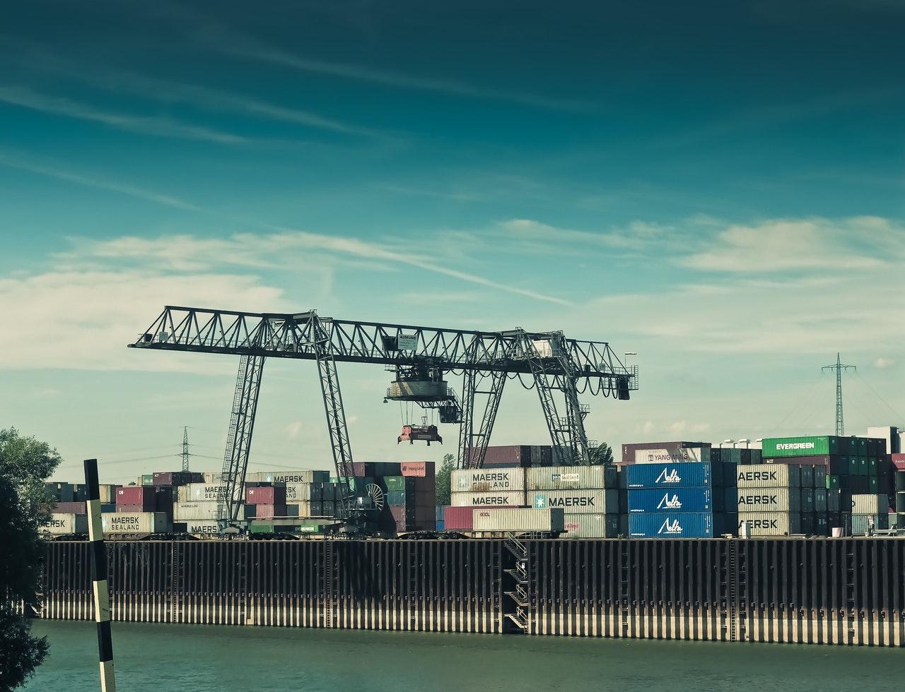 Balança comercial tem superávit de US$ 14 milhões no começo de novembro, diz governo